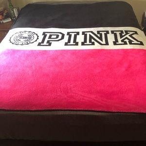 Vs PINK Sherpa blanket 60x72 *hoping to trade❤️
